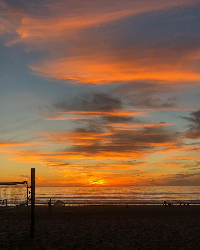 Good night Manhattan Beach  #manhattan #beach #manhattanbeach #sunset #sky #orange #blue #twilight #california #losangeles #friends #ocean #pacific