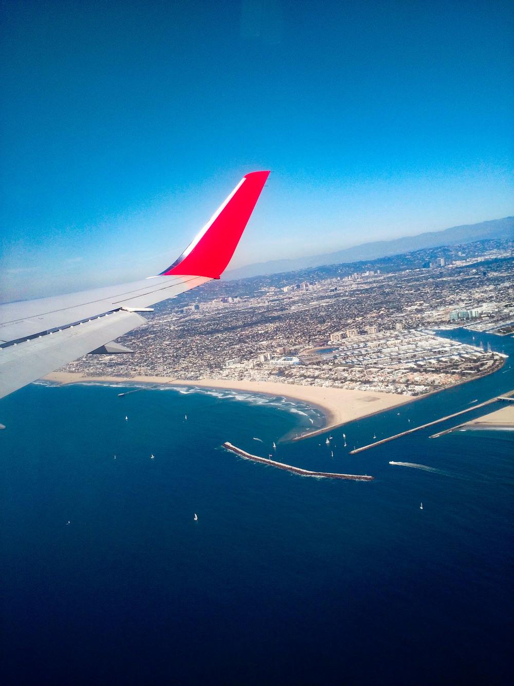 Moto X 2014 | Potato Lens Through an Airplane Window