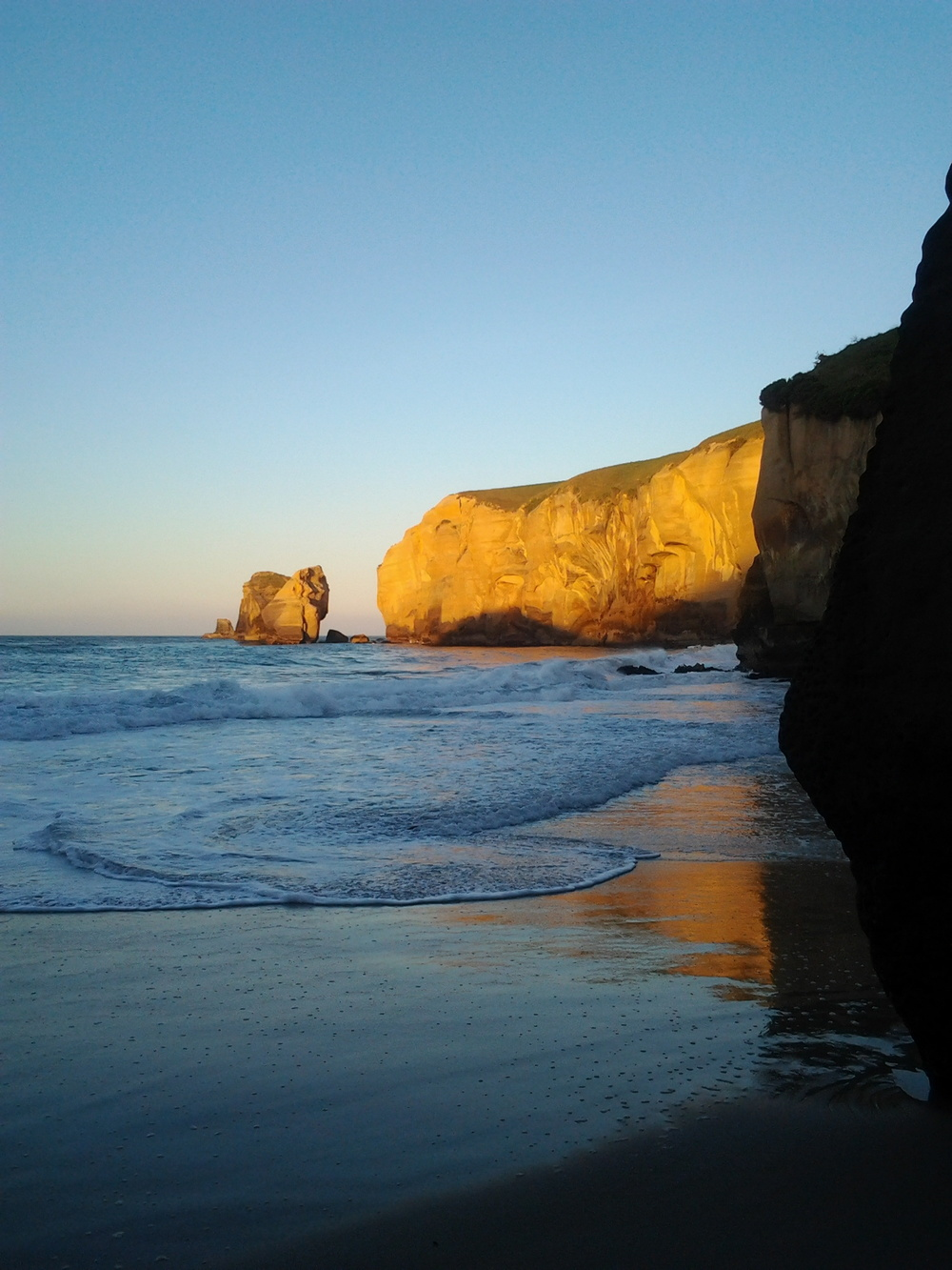 Sunset at Tunnel Beach