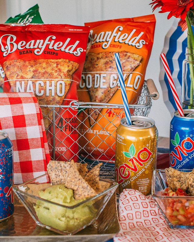 The perfect 4th of July spread 🇺🇸We partnered with @zevia for a tasty giveaway with our client, @beanfieldssnacks, so head over to their pages for a chance to win! #clientlove