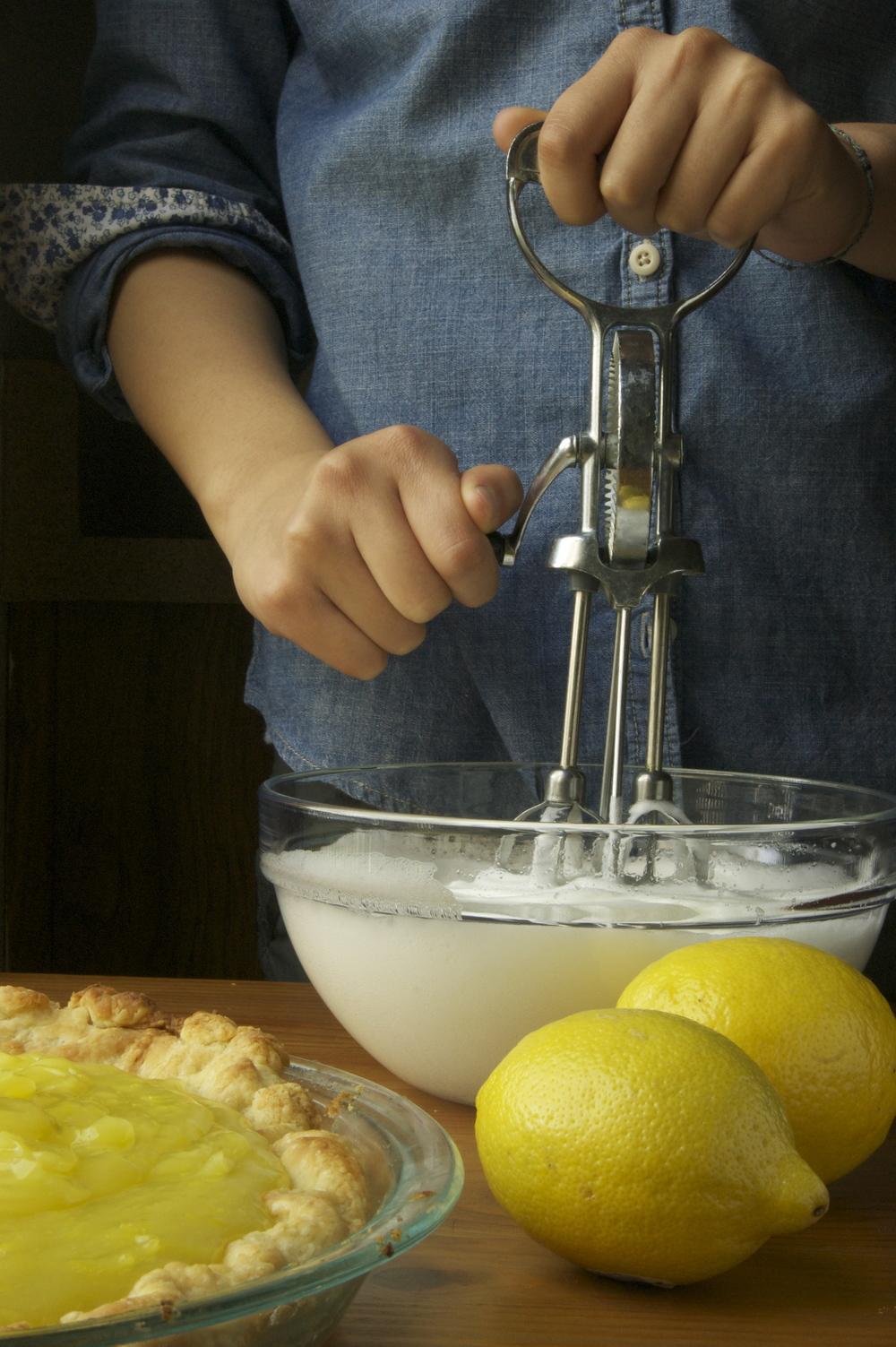 making meringue