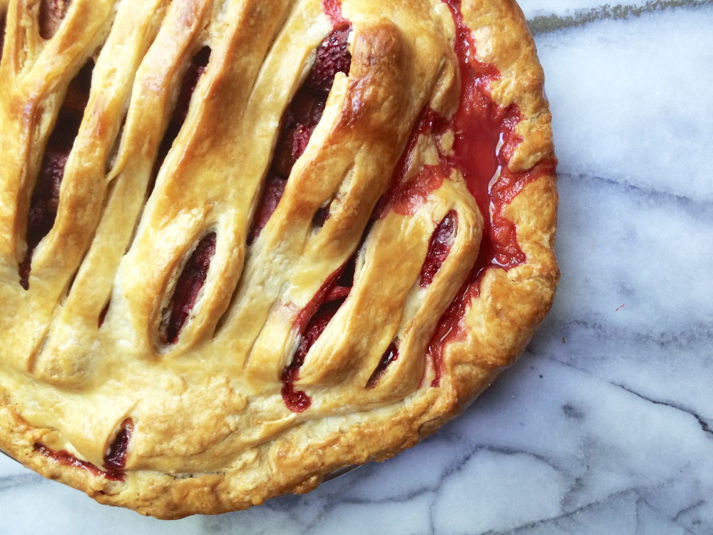 strawberry rhubarb pie.jpg