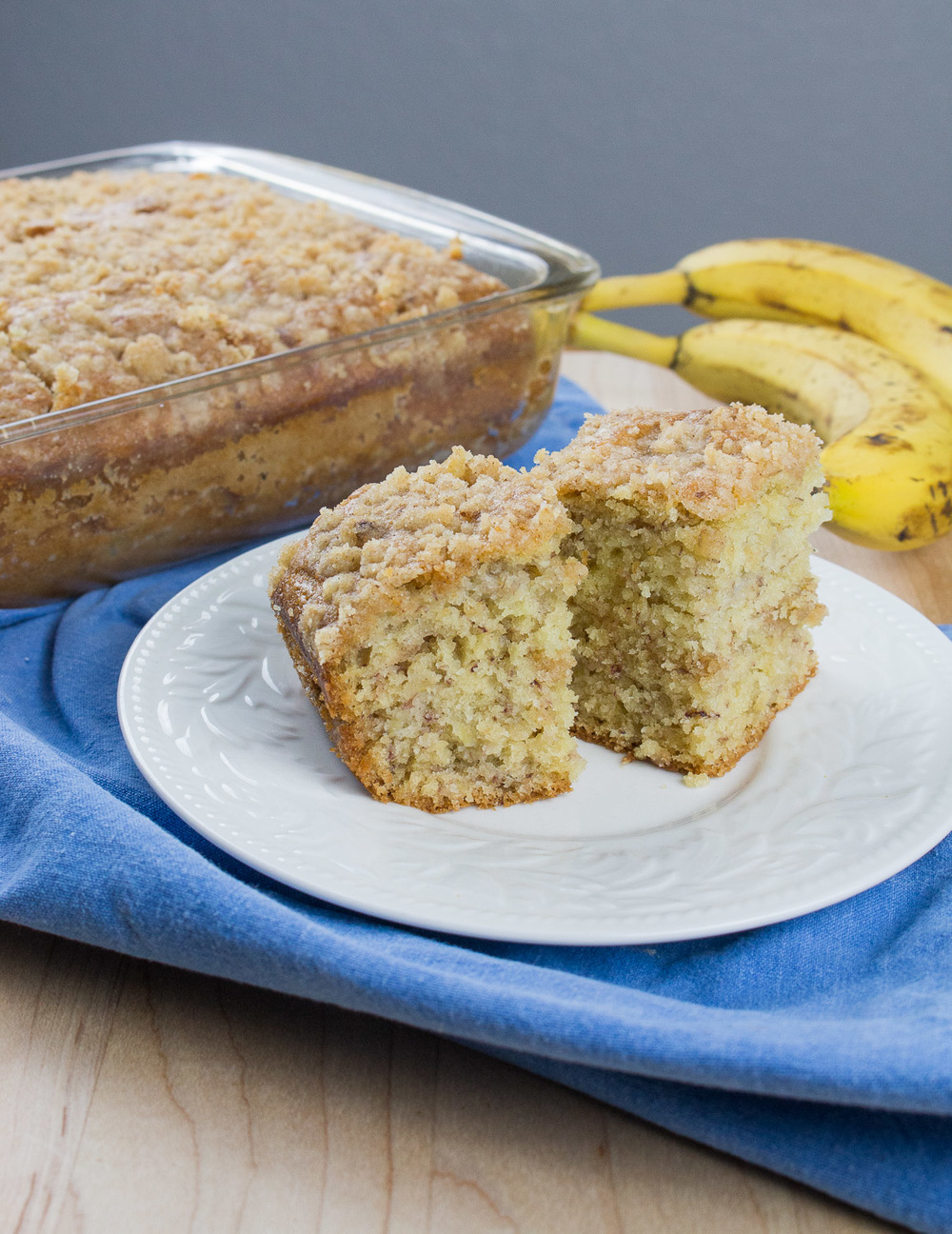 banana streusel cake (10 of 14).jpg