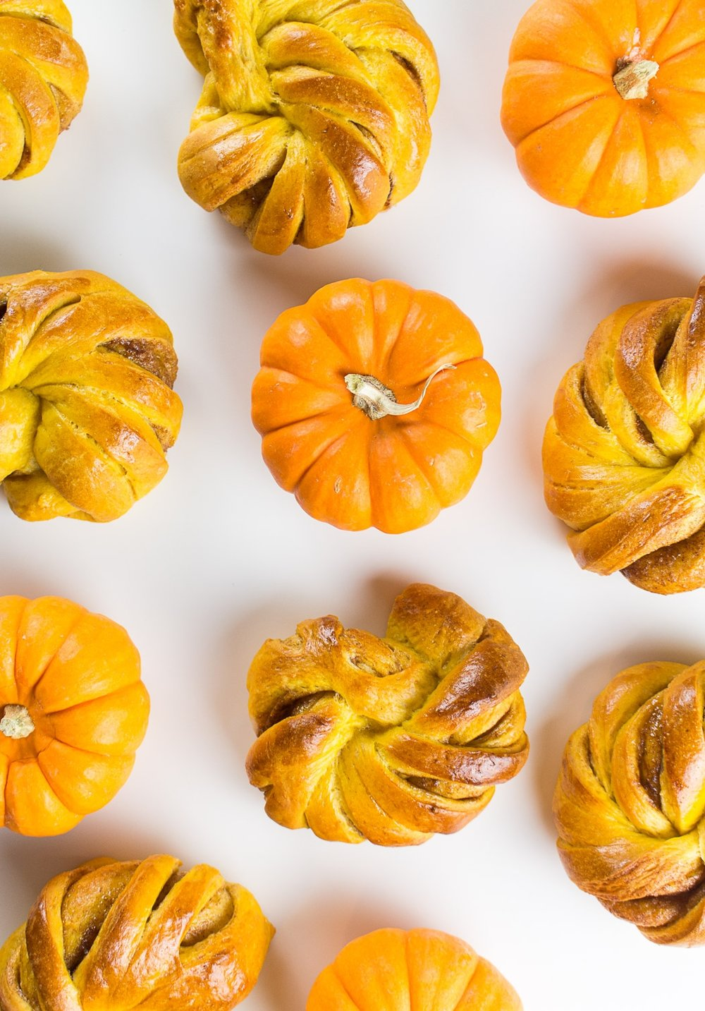 pumpkin_cinnamon_knots-10.jpg