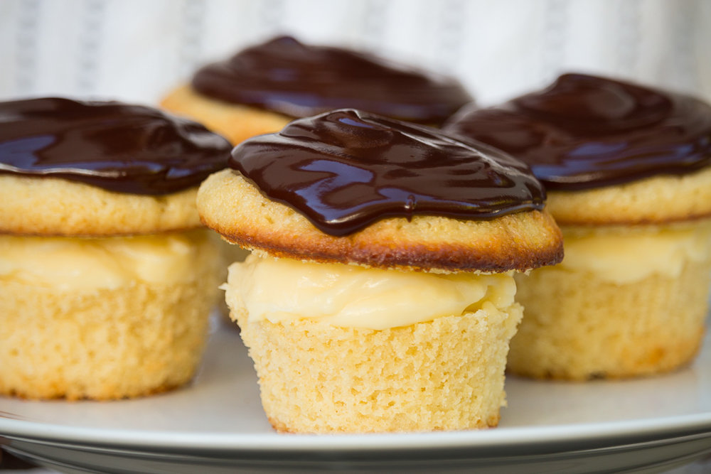 boston-cream-pie-cupcakes-3.jpg