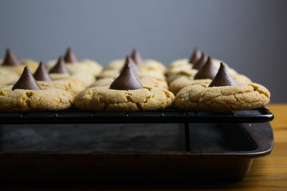 peanut-butter-blossom-cookies-2.jpg