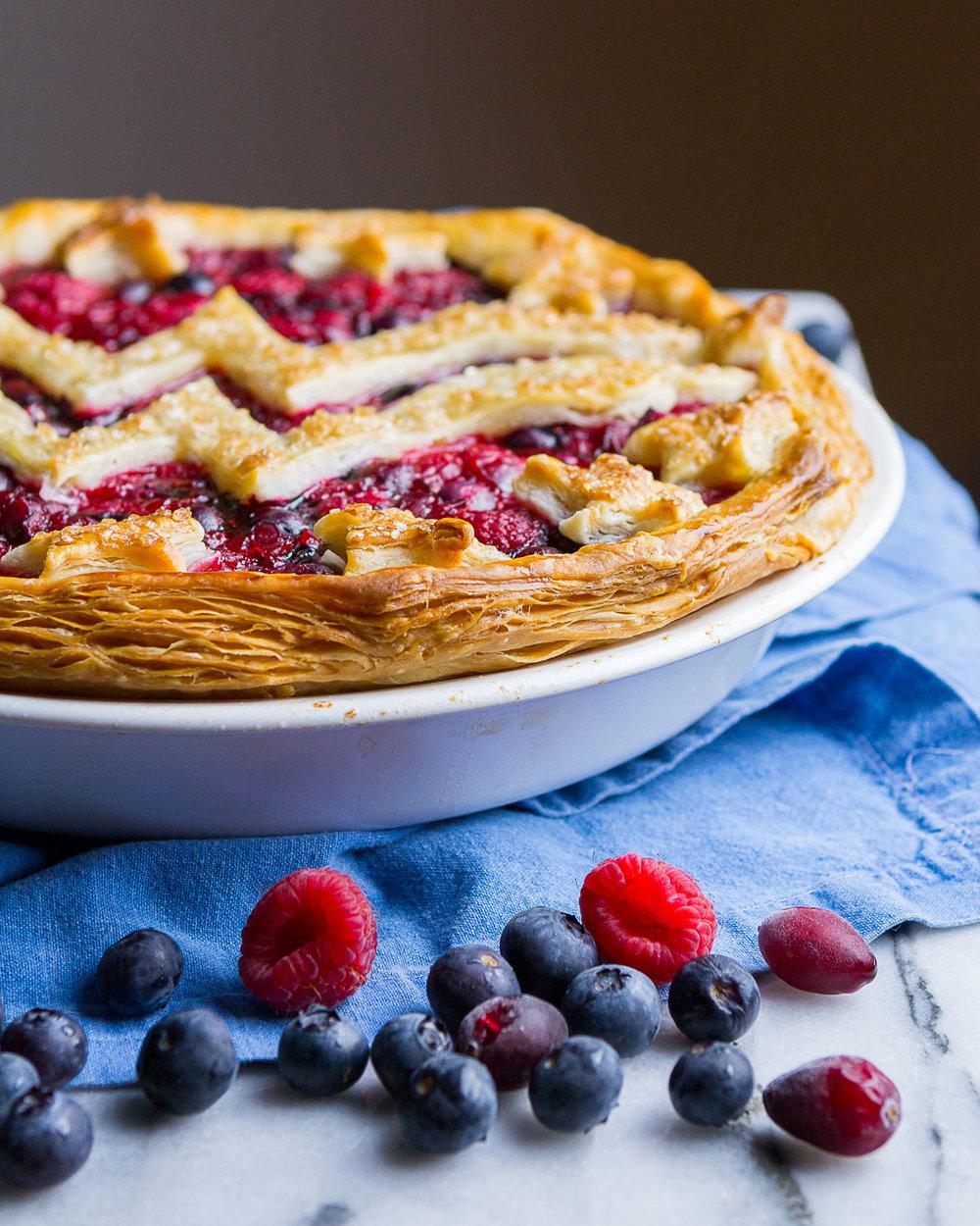wonder-woman-berry-pie-12.jpg