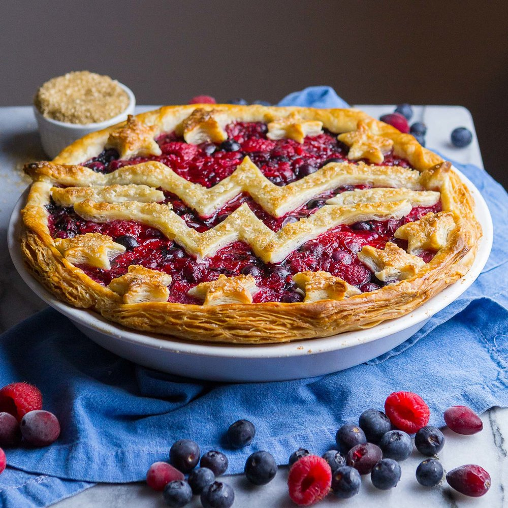 wonder-woman-berry-pie-11.jpg