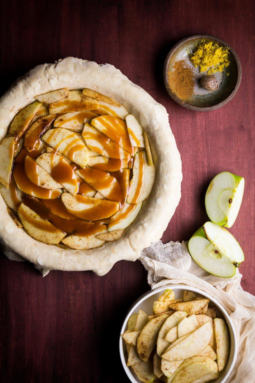 salted-caramel-apple-pie-2.jpg