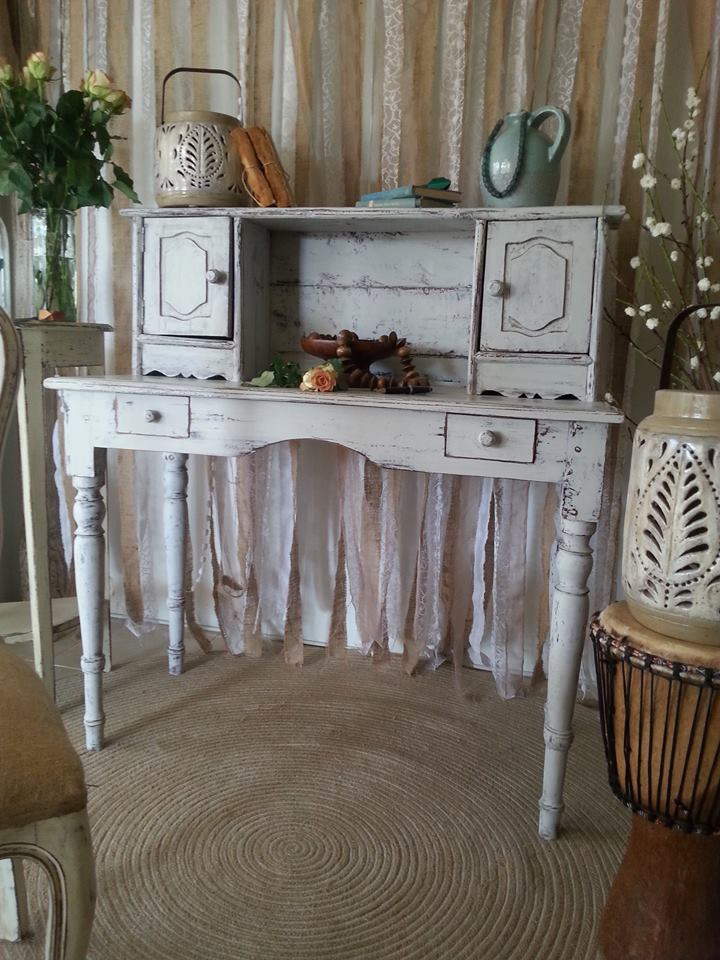 """""""Pretty Vintage Desk..."""""""