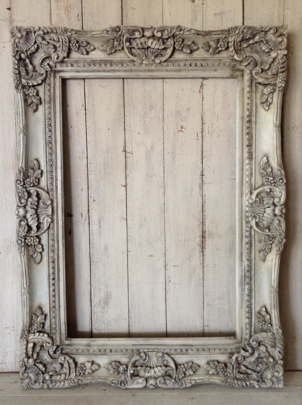"""Empty Frame LOVE!!"" x"