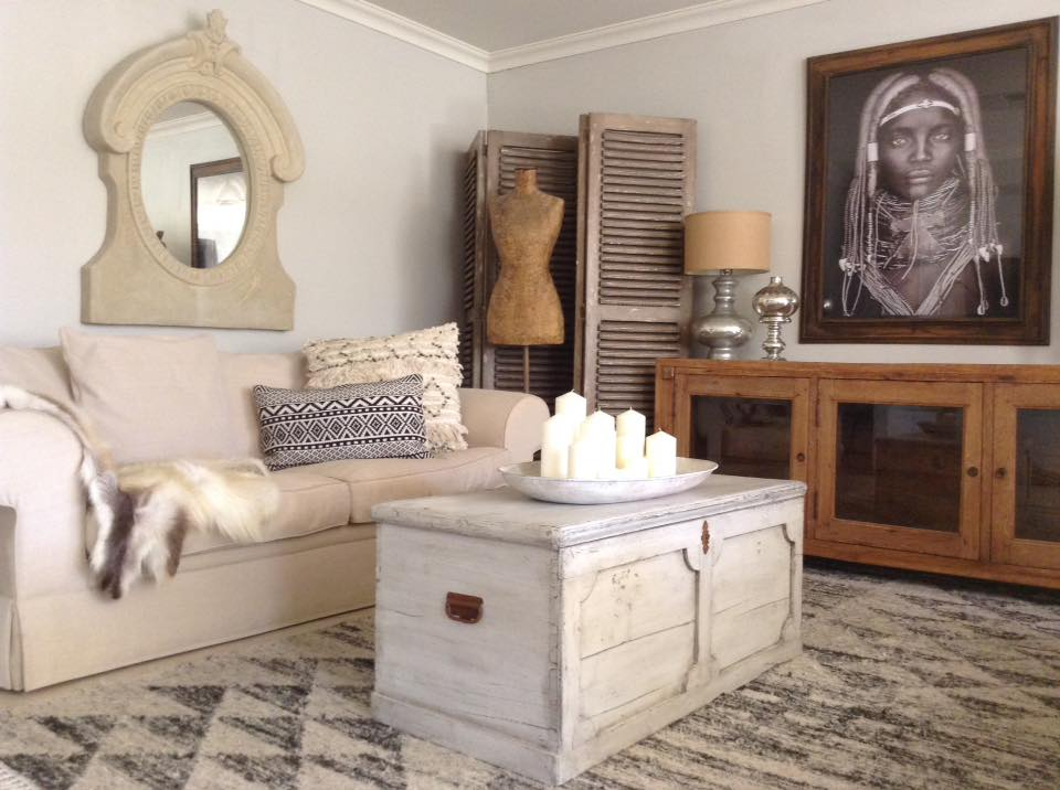 """Eclectic Coffee Table LOVE!!"" x"