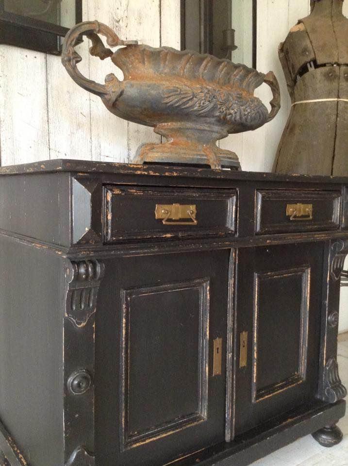 blackcabinet2.jpg