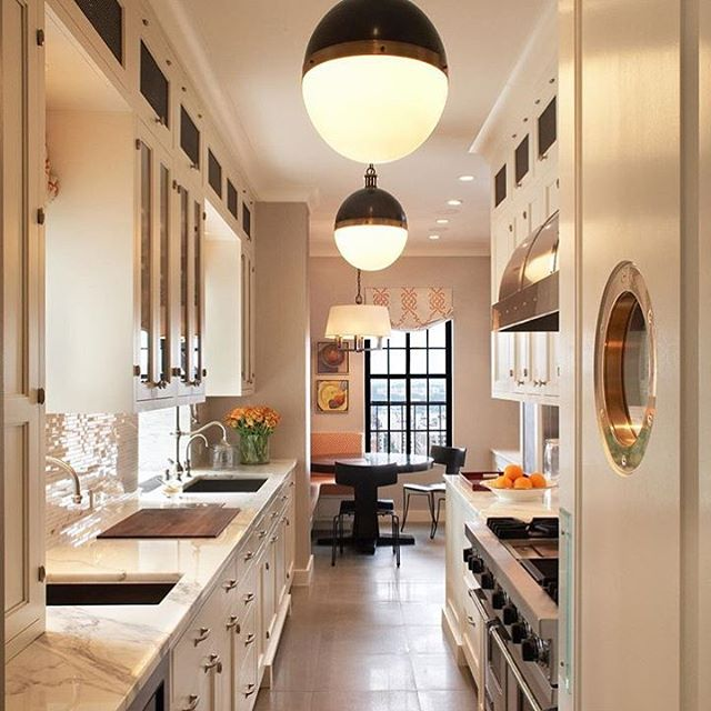 More brass hardware and a couple of retro globe light fixtures for your hearts desire❤️ #brasshardware #nashvillehomes #loveyourhome #diy #nashvillerealestate #airbnb #loveyourhome #freeyourhome  #nestive #kitchen #remodel