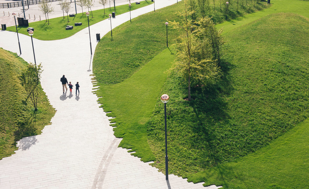 Main walkway of granite bathing leading through the Peninsula Garden [Wallpaper]