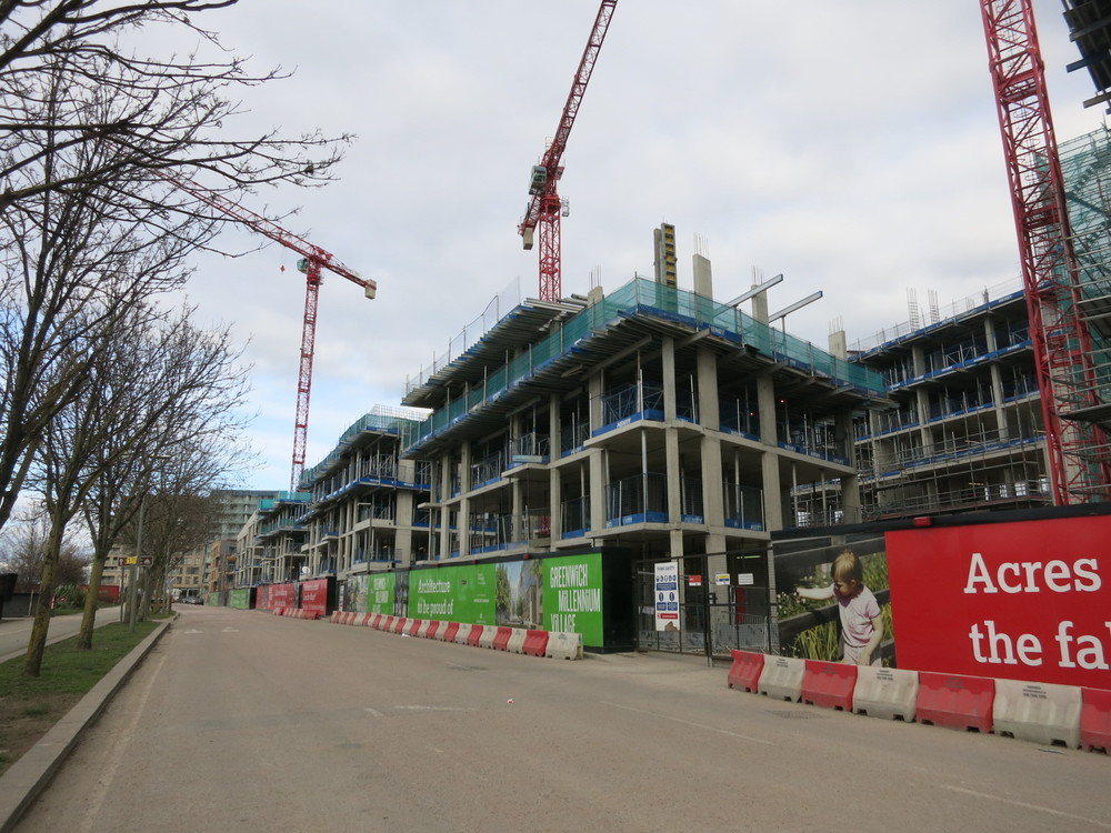 Construction progress of Meridian Squares buildings along Peartree Way on the GMV scheme [ @greenpenlondon ]