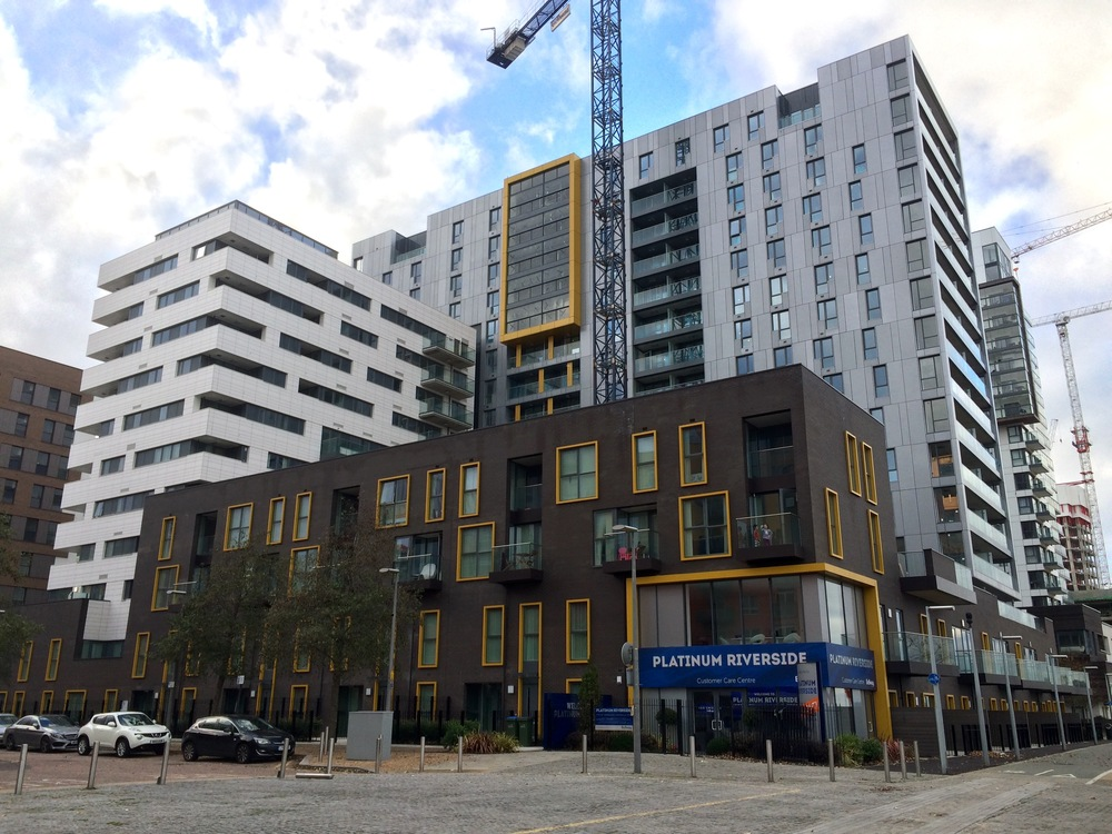 Bellway Platinum Riverside development - Nov 2015 [ @greenpenlondon ]