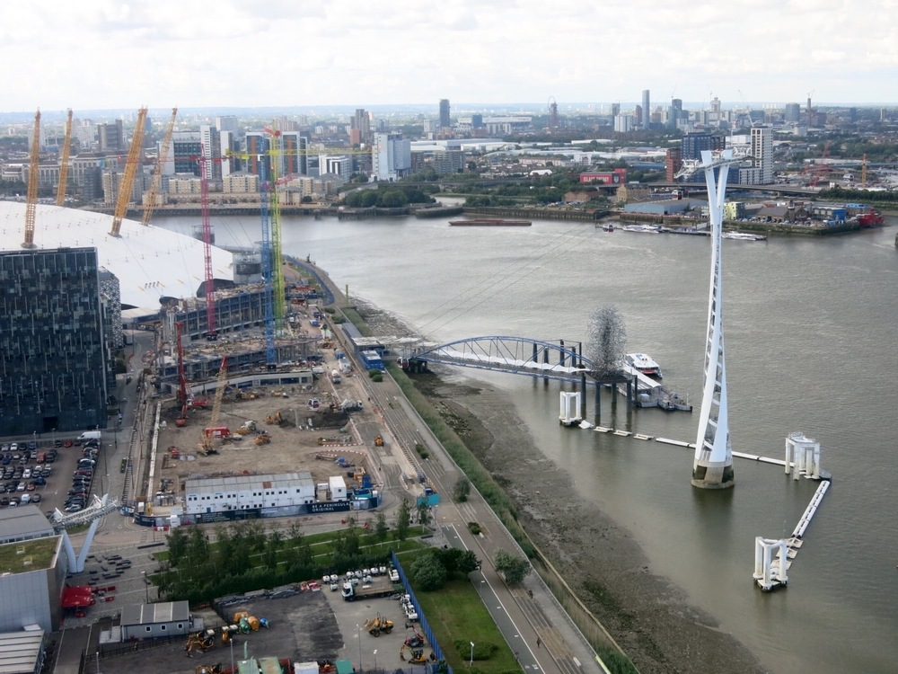 Upper Riverside development, Emirates Cable Car and North Greenwich Pier