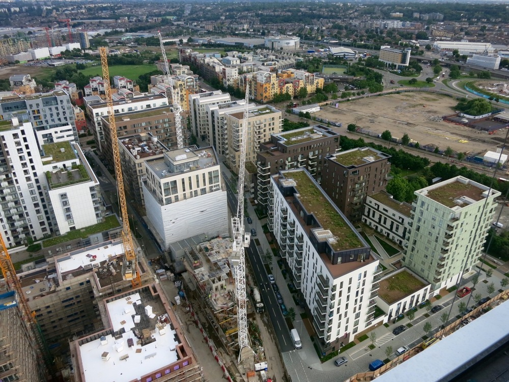 Construction progress of Lower Riverside and Parkside developments, June 2016 [greenpenlondon]
