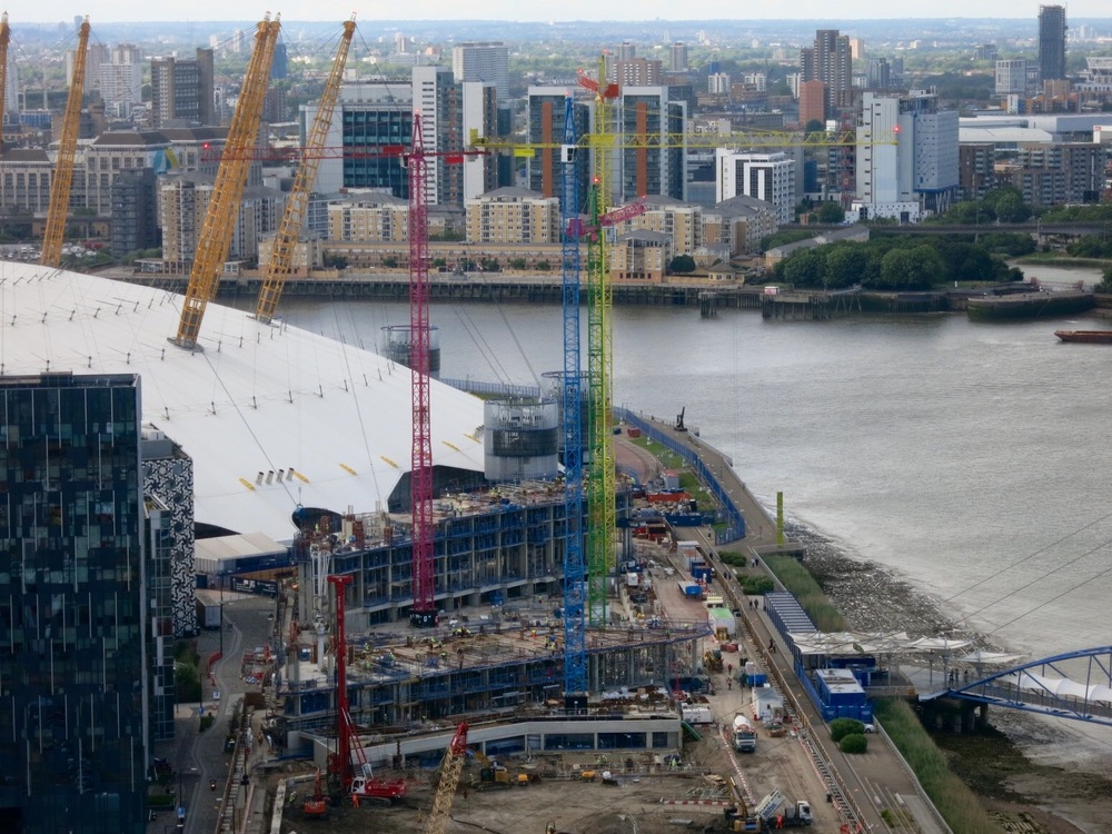 Construction progress on the first two buildings of the Upper Riverside, June 2016 [greenpen.london]