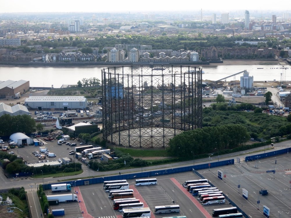The gas holder dominates the skyline of the western Greenwich Peninsula - June 2016 [greenpen.london]