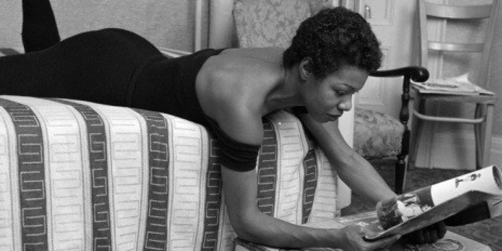 Maya Angelou didn't need to worry about her FB wall to steal her attention, but she still had walls on the mind. The author of  I Know Why The Caged Bird Sings , used to check into a hotel at 5 in the morning. The staff was instructed to remove all stimuli from the walls of her room.