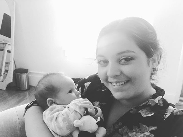 First official day in the new office!! Got to get ready eyed with some images and snuggles from this sweet thing. Ugh life is good! #babies #hugallthebabies #birthphotography