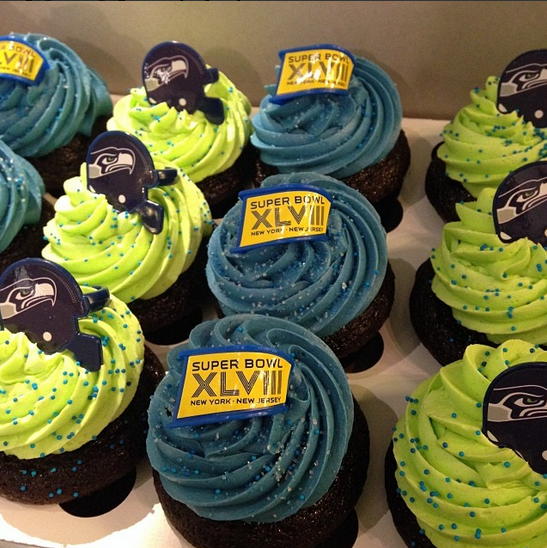 Trophy Cupcakes Super Bowl XLVIII Cupcakes