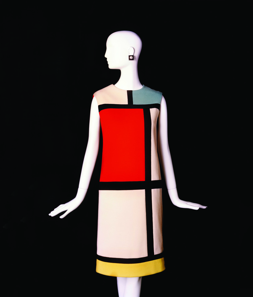 Cocktail dress. Hommage to Piet Mondrian. Fall-Winter 1965 haute couture collection ©Fondation Pierre Bergé – Yves Saint Laurent, Paris / Alexandre Guirkinger