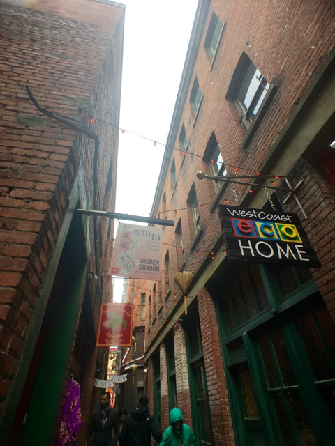Don't miss the alleys of Downtown Victoria, like Fan Tan Alley! They're filled with little shops and cafes.