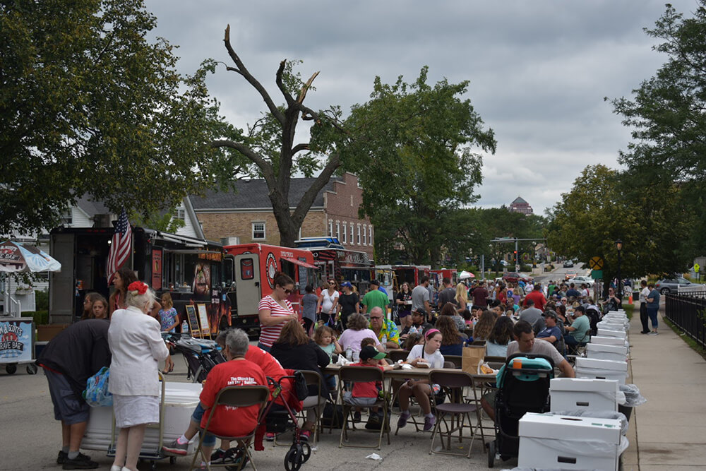 itasca-Family-Day-Food-Truck-04.jpg