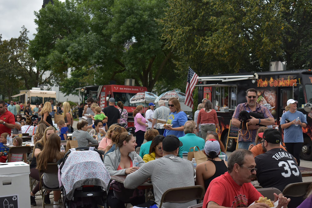 itasca-Family-Day-Food-Truck-05.jpg