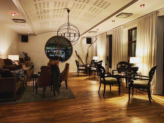 Kom och mys i våran lounge eller kanske ta en matbit i matsalen? #eriksberg #riverrestaurant