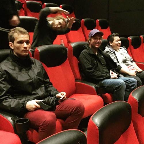 vi var og så filmen Pøbler, som handler om ungdom i pøbelprsosjektet. Anmeldelse kommer i neste husavis.