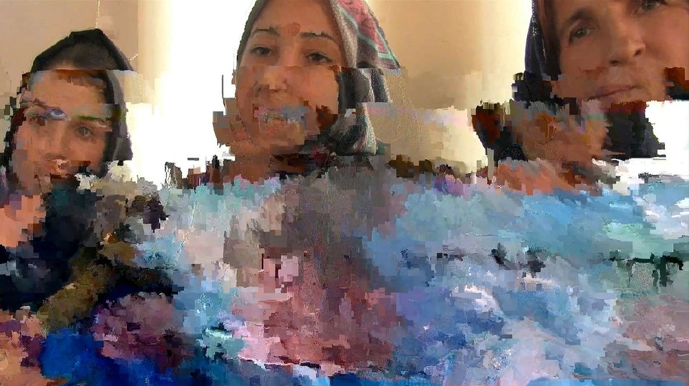 belit sağ, Cizre glitch, detail from textile print, 2017. Courtesy of the artist