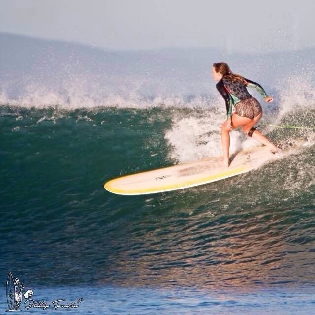 Cruisin'... these sunset surfs are currently one of the best things in my life. Thanks for the shot @fourie_philip !!