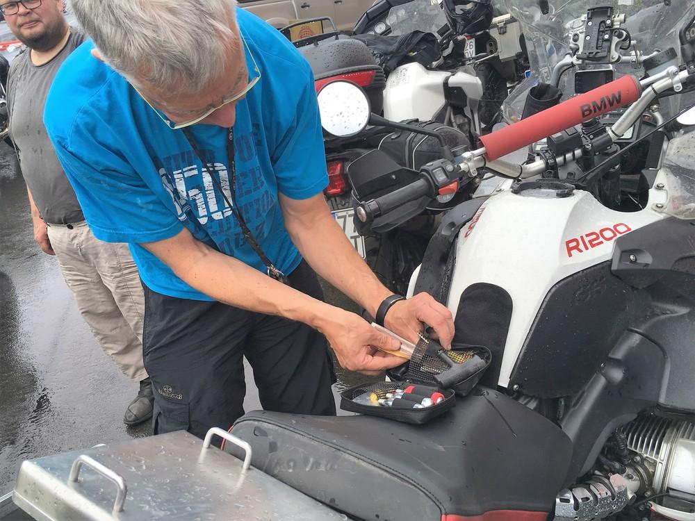Juha ja renkaan korjaussarja