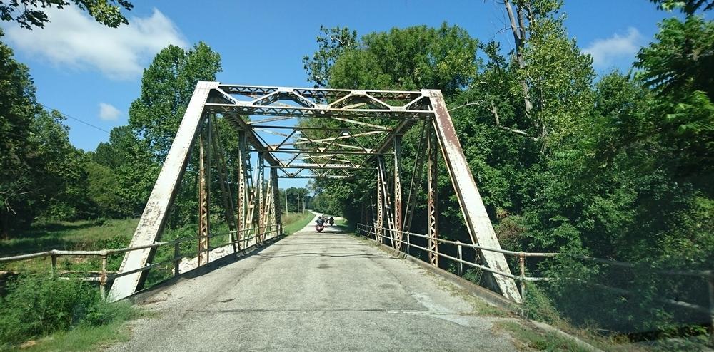 Route 66 kapeni välillä pelkäksi kylätieksi.
