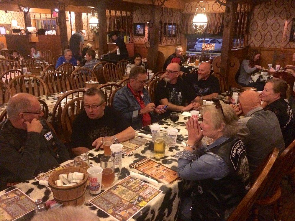 Pihvejä odotellessa, Big Texan Steak House.