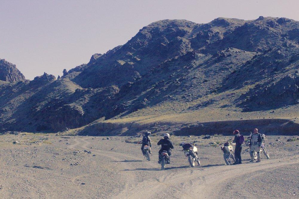 Ennen vuoriston ylitystä kerättiin vielä ryhmä kasaan...