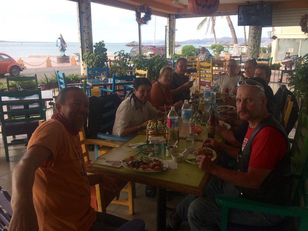 La Pazin rantaravintolassa pölyt huuhtoutuivat kurkusta ja vatsat täyttyivät mainioilla aterioilla.