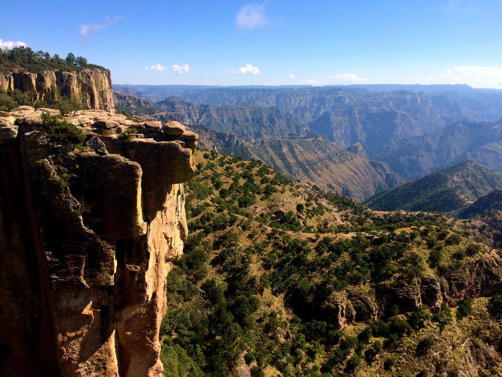 """Piedra Volada, eli Barrancas Del Cobren kuuluisa """"lentävä kivi"""". Nimestä kun vähennetään latinoille tyypillinen liioittelu, niin aletaan olla lähempänä totuutta """"heiluva kivi"""" :)"""