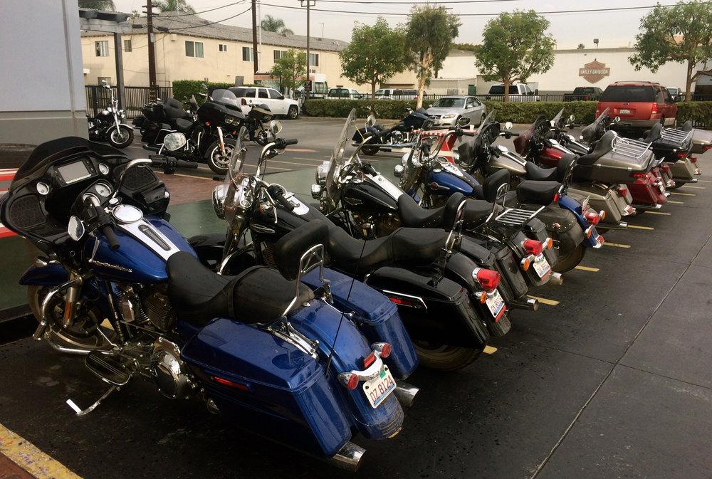 Pyörät palautettuina HD-Anaheimille. Pekan mittariin kertyi 5030km.