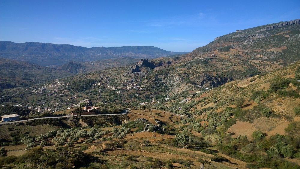 Ei kovin monella tule Marokosta mieleen tällaista maisemaa?