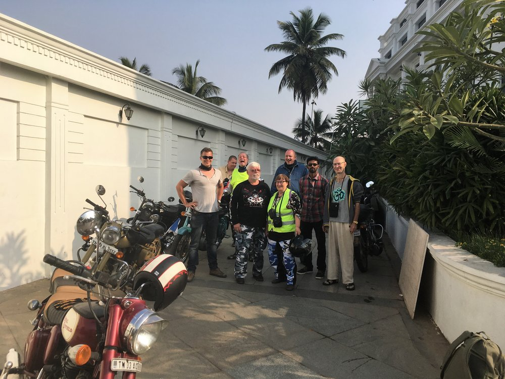 08.30,ryhmä valmiina lähtöön kohti Ootya ja Nighliri vuoristoa!