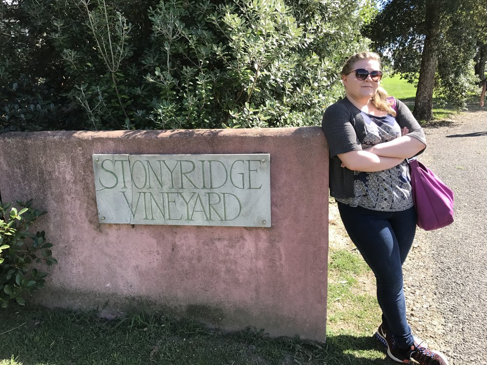 Riksu Stonyridgen portilla.