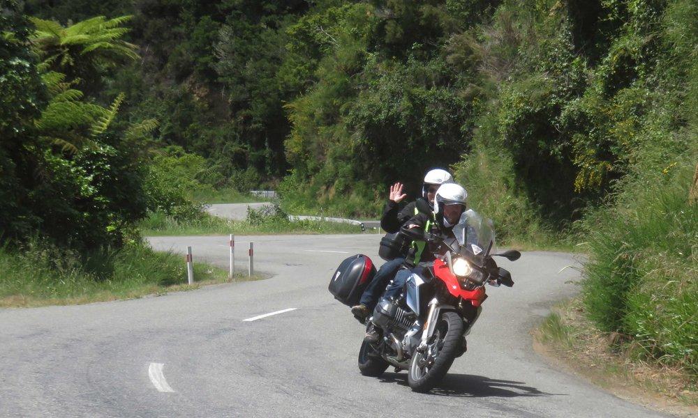 Elämän tarkoitus on ajaa moottoripyörällä!