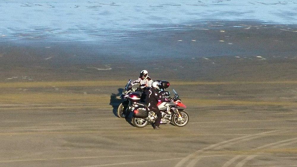 Joitakin turisteja näkyi rälläämässä beachilla ;)))))))))