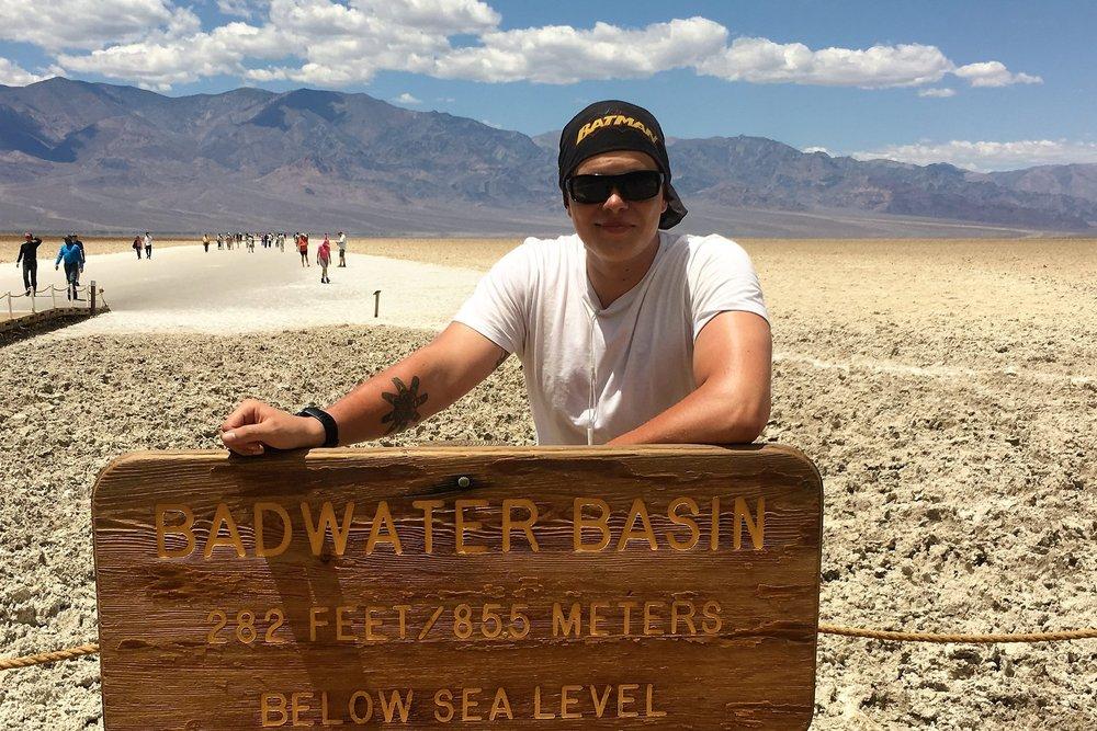 Kuolemanlaaksossa on Pohjois-Amerikan alin piste, Badwater, joka on 85,5 metriä merenpinnan alapuolella.