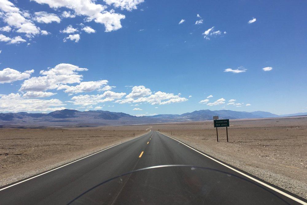 Kuolemanlaakso (engl. Death Valley) on kuiva aavikkolaakso Sierra Nevadan vuoristosta lounaaseen Yhdysvalloissa.Pitkänomainen, 225 kilometriä pitkä laakso on itäisten Amargosa Range- ja läntisten Panamint Range -vuorten välillä.